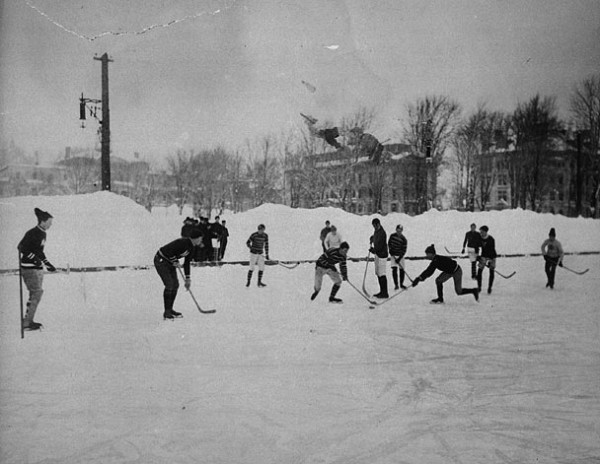 Hockey players at McGill University, Montreal, 1901.