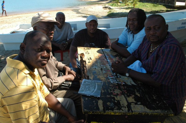 Evaristo Perez Ambular (far right) together with members of the Garifuna community in Trujillo. Photo by Dawn Paley.